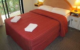 Comfortable Queen Bed Spring Hill Mews